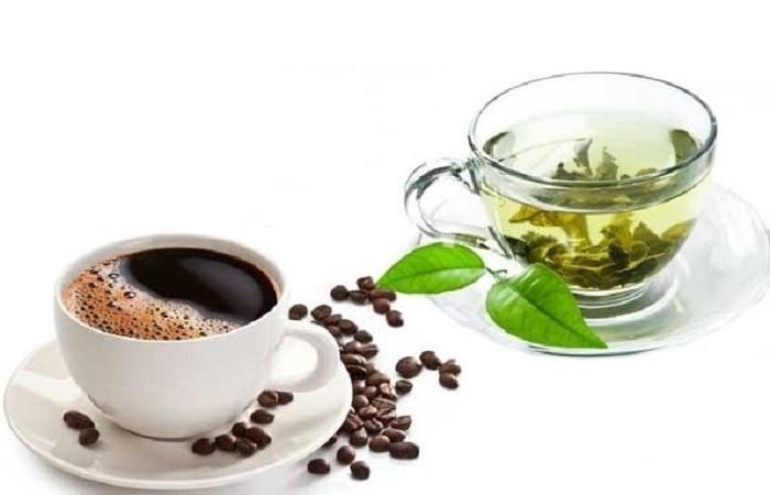 bạn nên dùng café hoặc trà xanh nóng, không đường khi ăn kiêng