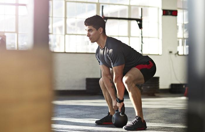 bài tập toàn thân và tập bụng sẽ giúp nam giới lấy lại vóc dáng